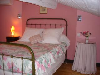 Romantic 1 bedroom Bed and Breakfast in Dourgne - Dourgne vacation rentals
