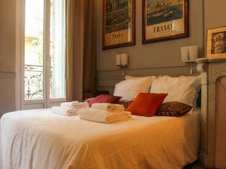 Chambre Double avec possibilité de rajouter un lit - Marseille vacation rentals