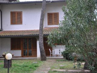 The Natural White house, Tuscan Maremma - Principina a Mare vacation rentals