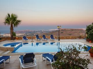 4 bedroom Villa with Internet Access in Zebbug - Zebbug vacation rentals