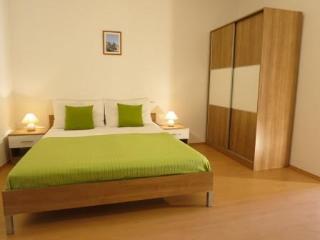 Apartments Zava, studio apartment with nice garden - Sutivan vacation rentals