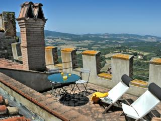 Apartment  with terrace, shared pool,stunning view - Ponteginori vacation rentals