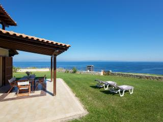 Beautiful 3 bedroom Villa in Afitos with Internet Access - Afitos vacation rentals