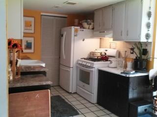 3 bedroom Condo with Deck in Pennsauken - Pennsauken vacation rentals