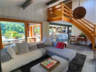 Perfect Chalet with Internet Access and Satellite Or Cable TV - Le Chable vacation rentals