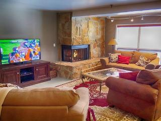 Sleeps Six, Hot Tub, on Free Bus Line - Park City vacation rentals