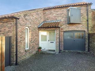 SILO BARN, walled garden, pet-friendly, WiFi, in Cawood, Ref 918896 - Cawood vacation rentals