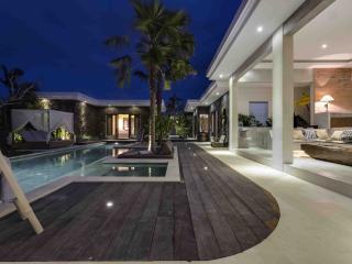 Sophisticated & Contemporary Villa Seminyak - Seminyak vacation rentals