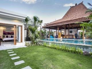 Luxurious Beautiful Private Joglo Seminyak Villa - Seminyak vacation rentals