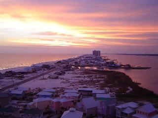 Sanibel 1501 Amazing Gulf view 4 miles Gulfshores - Fort Morgan vacation rentals