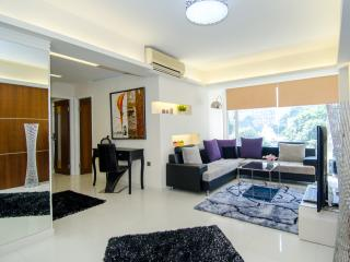 ILoveIt*CENTRAL*MTR*OPEN VIEW*3bed2bath*Big*Discount* - Hong Kong vacation rentals