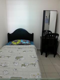 1 pax setting - Private Room en-suite Bathroom, Casa Tropicana - Petaling Jaya - rentals
