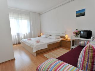 Double room Ero 5 (2+1) - Sukosan vacation rentals