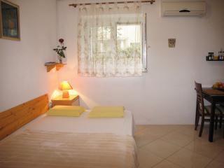 Studio apartment in center near beach - Split vacation rentals