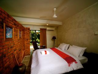 19 Karat TTDI - Kuala Lumpur vacation rentals