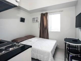 Condo w/ Mall in Makati for short term rental (2) - Makati vacation rentals