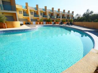 Luxury townhouse with shared pool,close Albufeira - Patroves vacation rentals