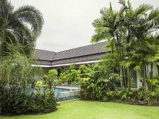 Villa with a big private pool in Nai Harn - Kata vacation rentals