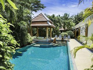 Luxury spacious villa in a short walk from the beach - Kata vacation rentals