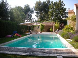 Wonderful Villa with a Pool and Garden, in Provence - Puyricard vacation rentals