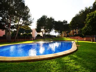 Maioris, peaceful, fully equipped, communal pool. - Iola vacation rentals