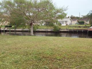 (2)GREATwaterfront property. Relaxation is waiting - Cape Coral vacation rentals