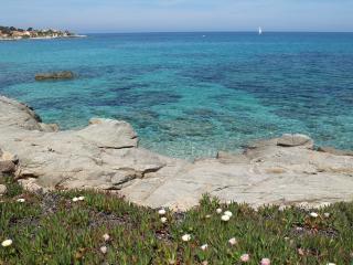 Magnifique Appt 6 pers,  Vue Mer Imprenable sur 180° - Lumio vacation rentals