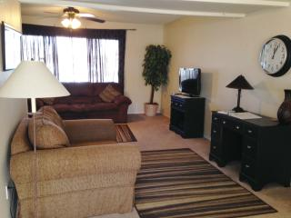 Tempe Townhouse in Great Location - Tempe vacation rentals