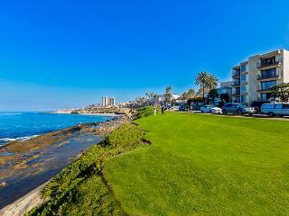 Charming La Jolla Beach Condo In The Village With Endless Ocean Views - La Jolla vacation rentals