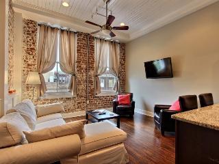 Downtown SAV 1BR/1BA - New, Free Wifi, Parking - Savannah vacation rentals