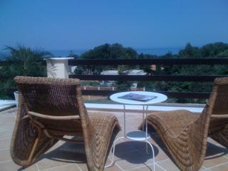 3 bedroom Bed and Breakfast with Internet Access in Pizzolungo - Pizzolungo vacation rentals