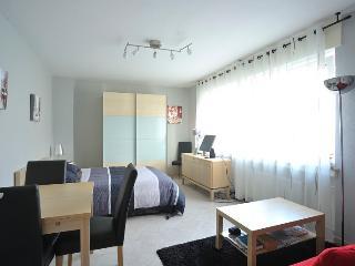 Cozy 1 bedroom Düsseldorf Condo with Deck - Düsseldorf vacation rentals