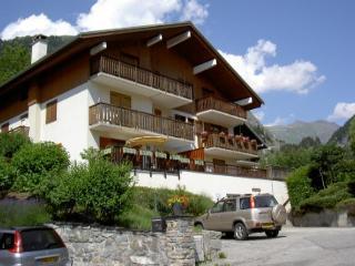 2 bedroom Condo with Internet Access in Champagny-en-Vanoise - Champagny-en-Vanoise vacation rentals