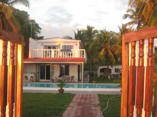 Beautiful House with Dishwasher and Linens Provided - San Luis Talpa vacation rentals