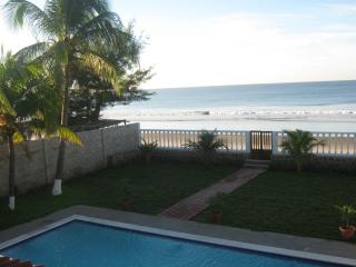 Beautiful House with Dishwasher and Waterfront - San Luis Talpa vacation rentals