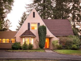 Elegant Home & Cottage: Top of the Hill, Sleeps 14 - Guerneville vacation rentals