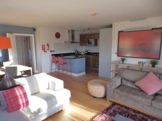 Scrumpy Cottage, Nr Fowey, Pool, Spa, Restaurant - Par vacation rentals