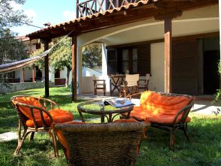 Lovely 2 bedroom Villa in Kalyves Polygyrou - Kalyves Polygyrou vacation rentals