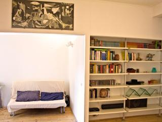 Haw Re di roma Apartment - Rome vacation rentals