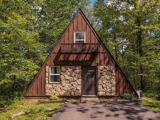 Romantic A Frame Cabin. - Hocking Hills vacation rentals