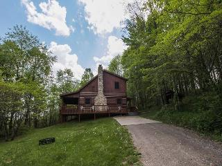 Hocking Hills Cabin with Hot Tub and Game Room - Ohio vacation rentals