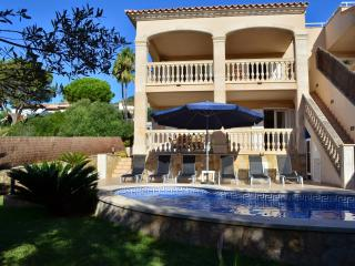 Fantastic townhouse with private pool in Alcanada - Alcudia vacation rentals