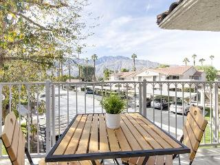 2BR/2BA Newly Renovated Country Club Condo, Palm Springs, Sleeps 4 - Palm Springs vacation rentals
