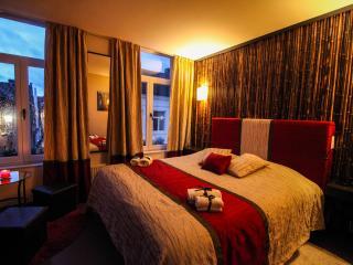 Gold - Suites 51 Bruges B&B - Bruges vacation rentals