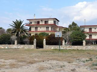 Seafront apartment in Gerakini - Gerakini vacation rentals