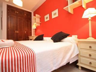 Apto Centro historico con cochera (opcional) - Granada vacation rentals