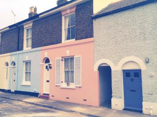 Admirals Rest, vintage boutique cottage in Deal - Kent vacation rentals