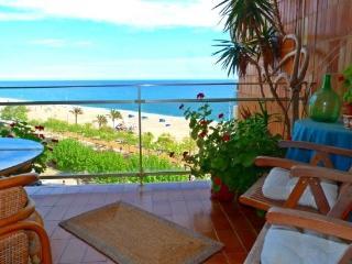 Apartamento Marfil - Calella vacation rentals