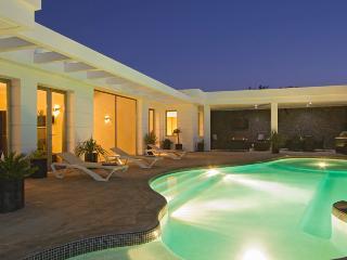 4 bedroom Villa with Television in Puerto Del Carmen - Puerto Del Carmen vacation rentals