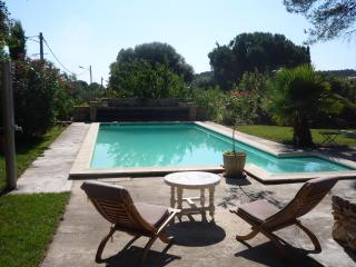 Nice Gite with Internet Access and Central Heating - Nages-et-Solorgues vacation rentals